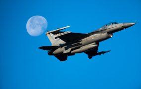 İnsanlı F-16, yapay zekaya karşı savaşacak
