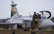 Brezilya'nın ilk Saab Gripen E'si Brezilya'ya ulaştı