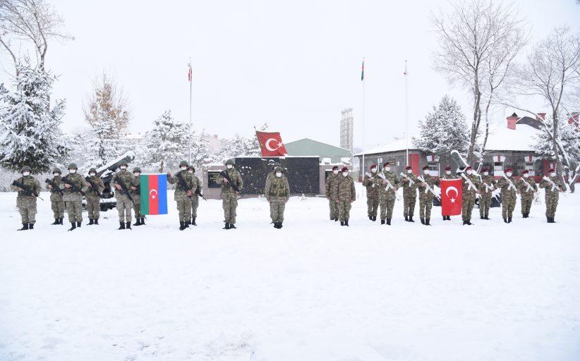 Azerbaycan ile müşterek icra edeceğimiz tatbikat için Azerbaycan Ordusuna mensup kardeşlerimiz Kars'a geldi