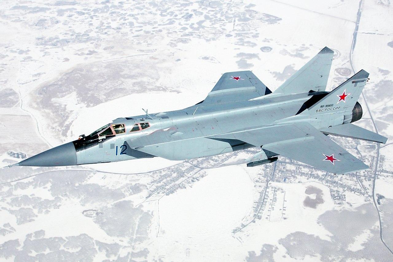Rus MIG-31 ilk kez kuzey kutbunda uçtu !