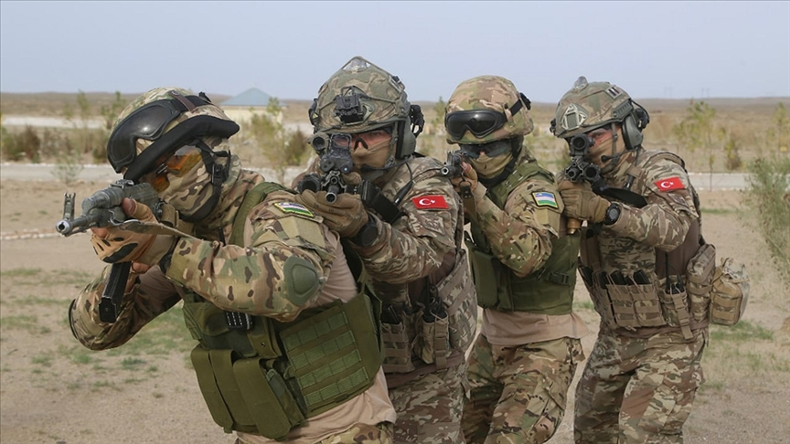 Özbekistan ve Türkiye özel kuvvetler ortak tatbikatı sona erdi