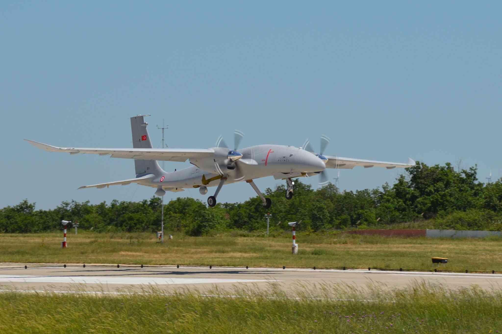 Seri üretim Akıncı S-1 ilk uçuşunu  gerçekleştirdi