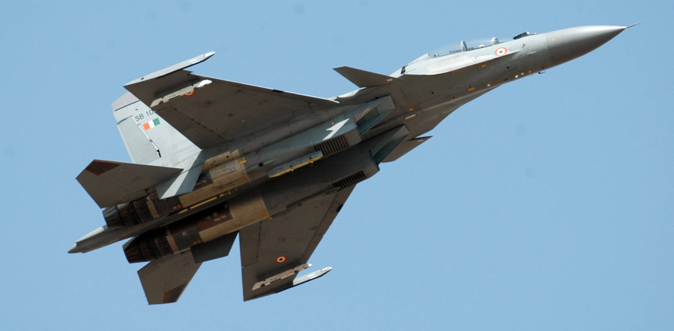 Rus Su-30 savaş jetinden Karadeniz'de Fransa'ya ait 3 uçağa önleme yapıldı