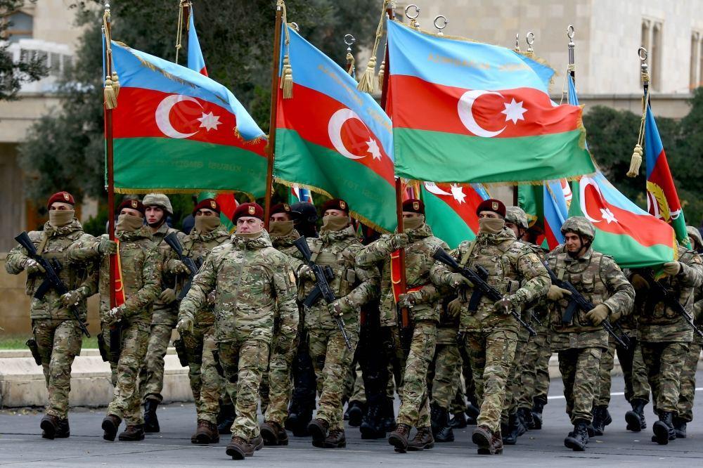 Azerbaycan 15 bin asker ile tatbikata başladı !